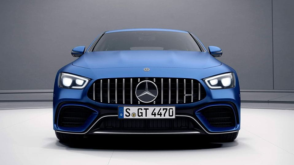 автомобіль Mercedes AMG GT 4-door Coupe вид спереду