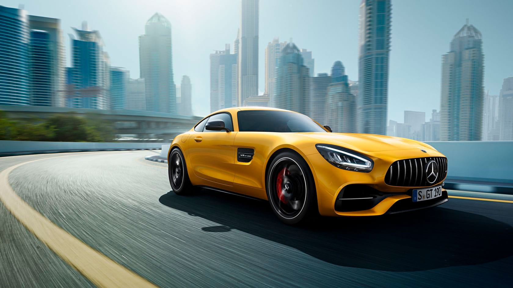 Mercedes-AMG Gt Coupe вид спереду