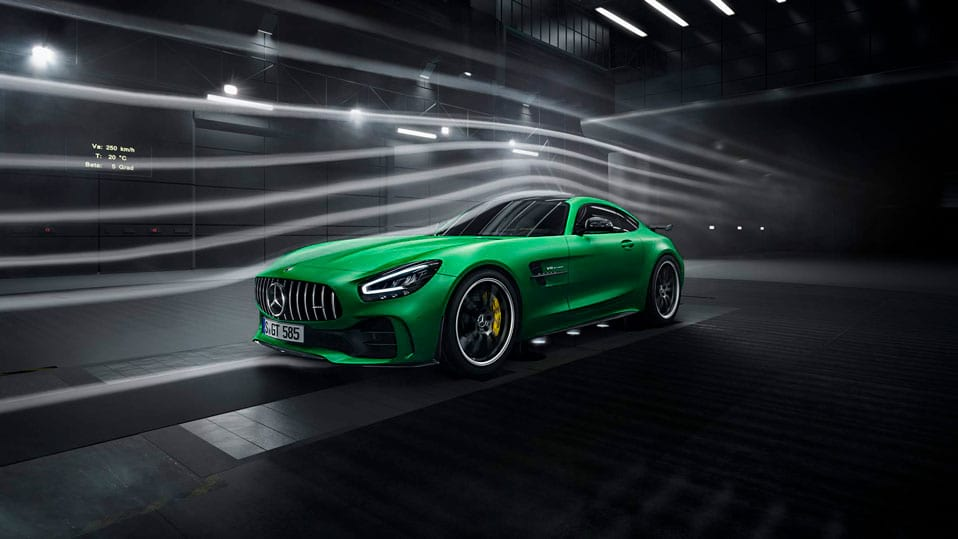 Автомобіль Mercedes-AMG GT Coupe вид спереду