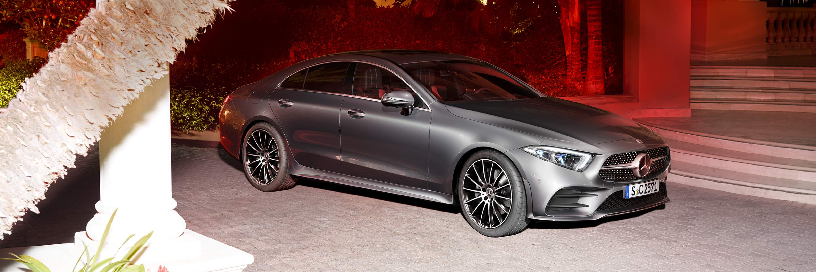 Інтер'єр та екстер'єр Mercedes–Benz CLS Coupe