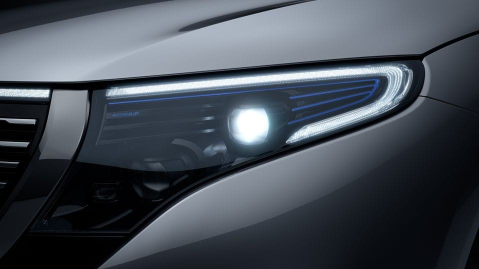 Новий автомобіль Mercedes-Benz EQC MULTIBEAM LED