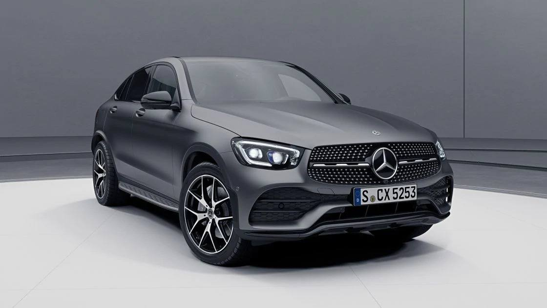 Новый Mercedes-Benz GLC Coupe серого цвета