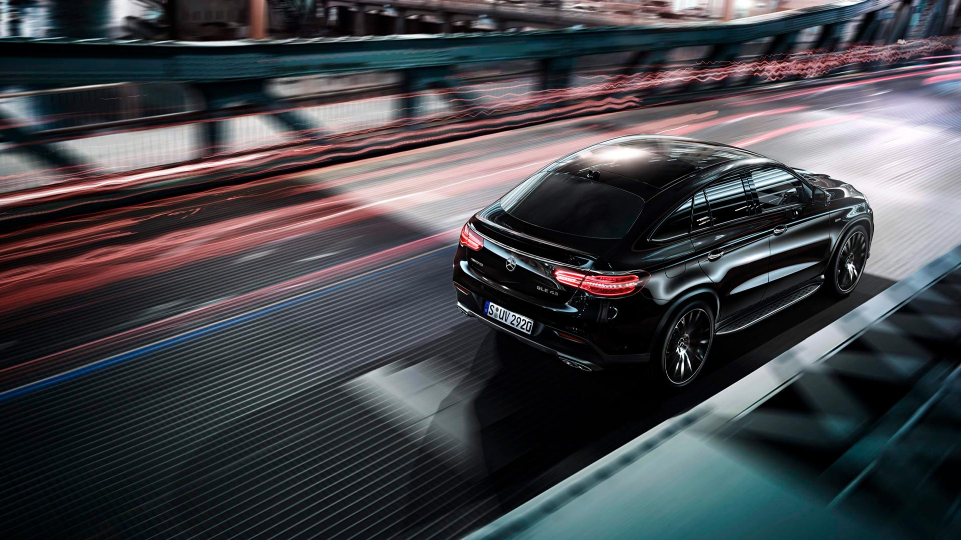 Новий автомобіль mercedes benz GLE Coupe задні фари
