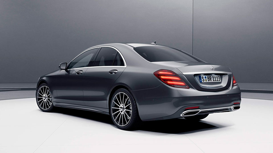 Вид ззаду  Mercedes-Benz S-class Sedan камера