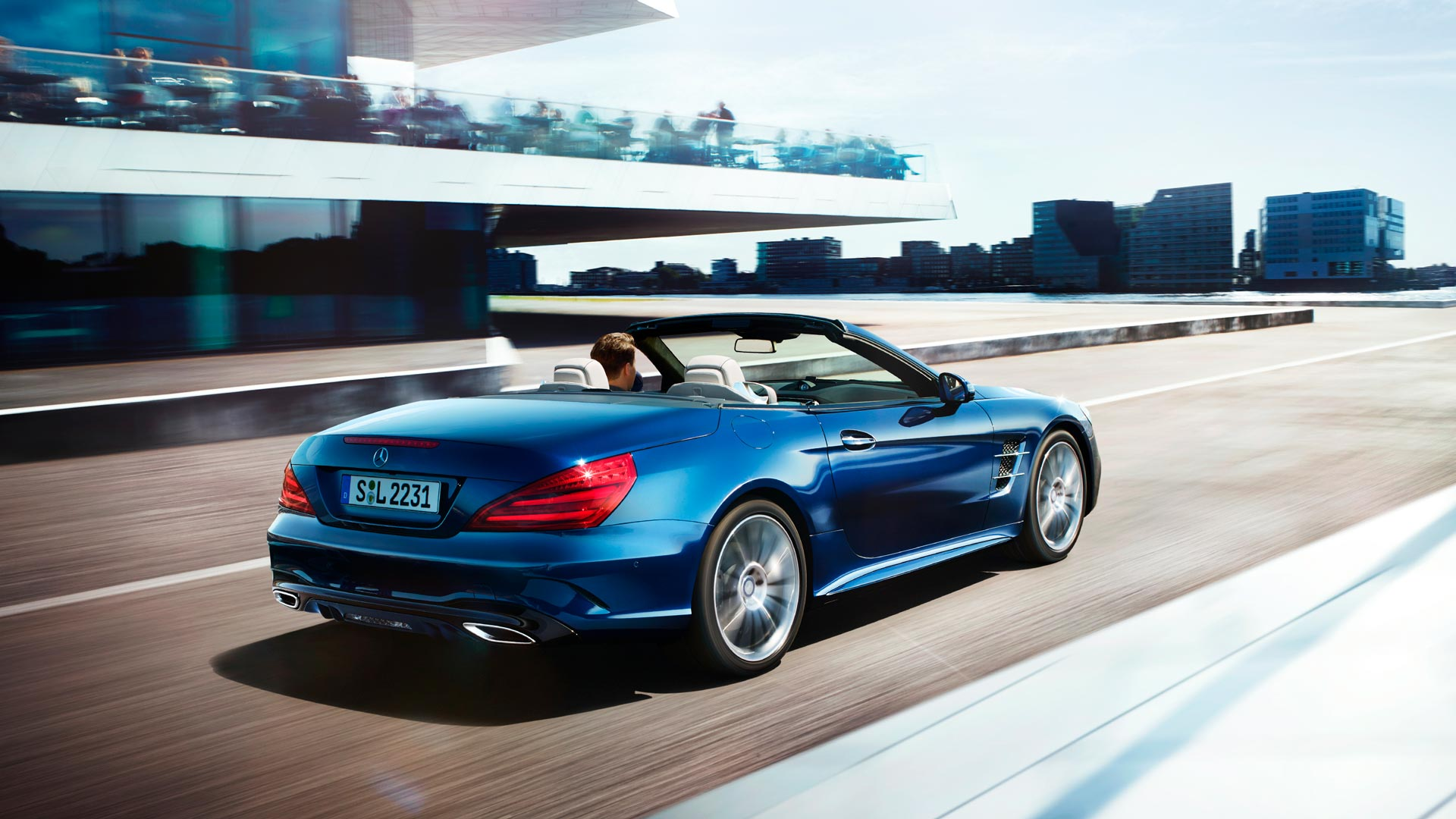 Новий автомобіль Mercedes-Benz SL Roadster задні фари