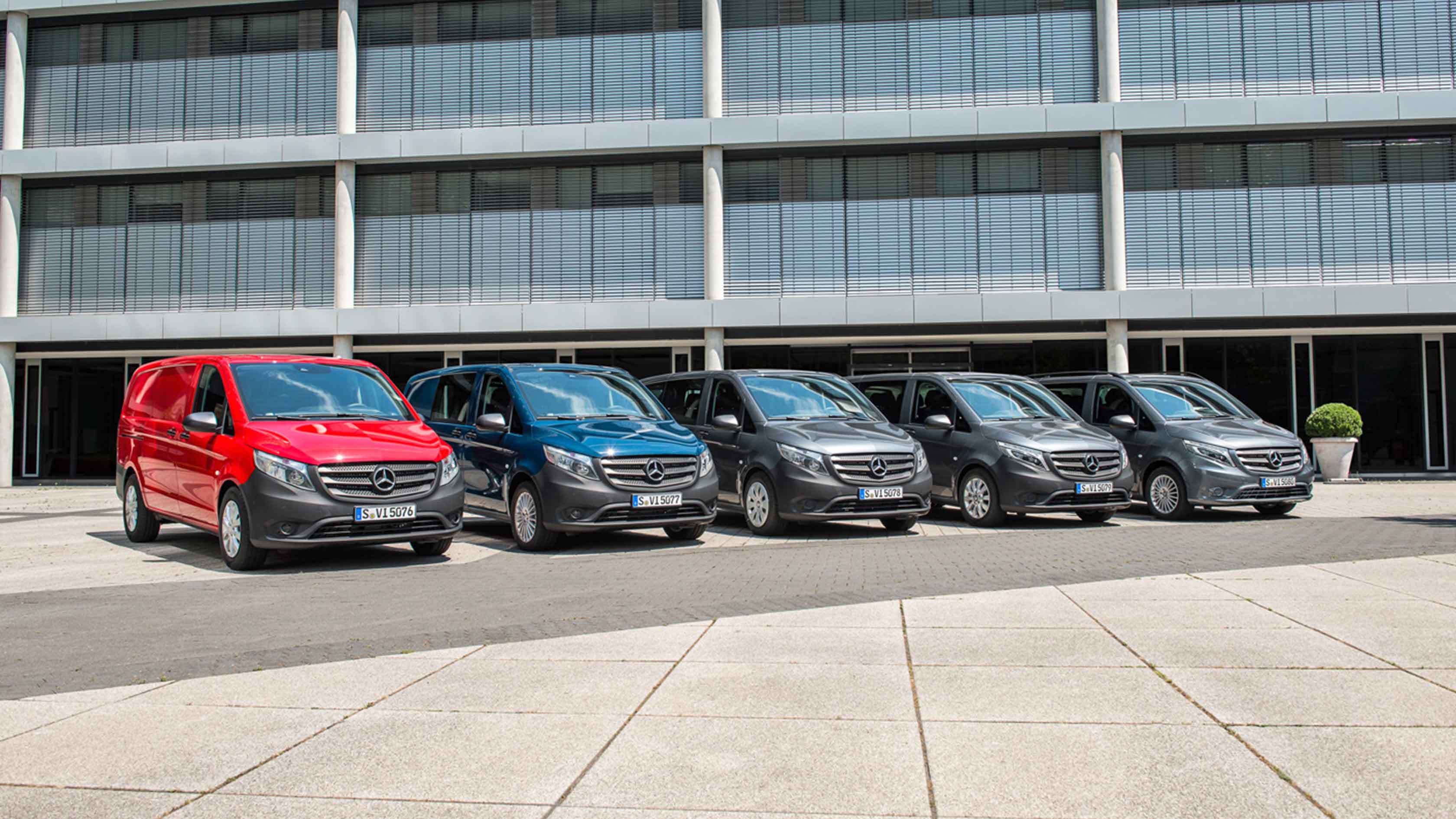 Новые автомобили Mercedes-Benz Vito Tourer BASE Vito Tourer PRO Vito Tourer SELECT