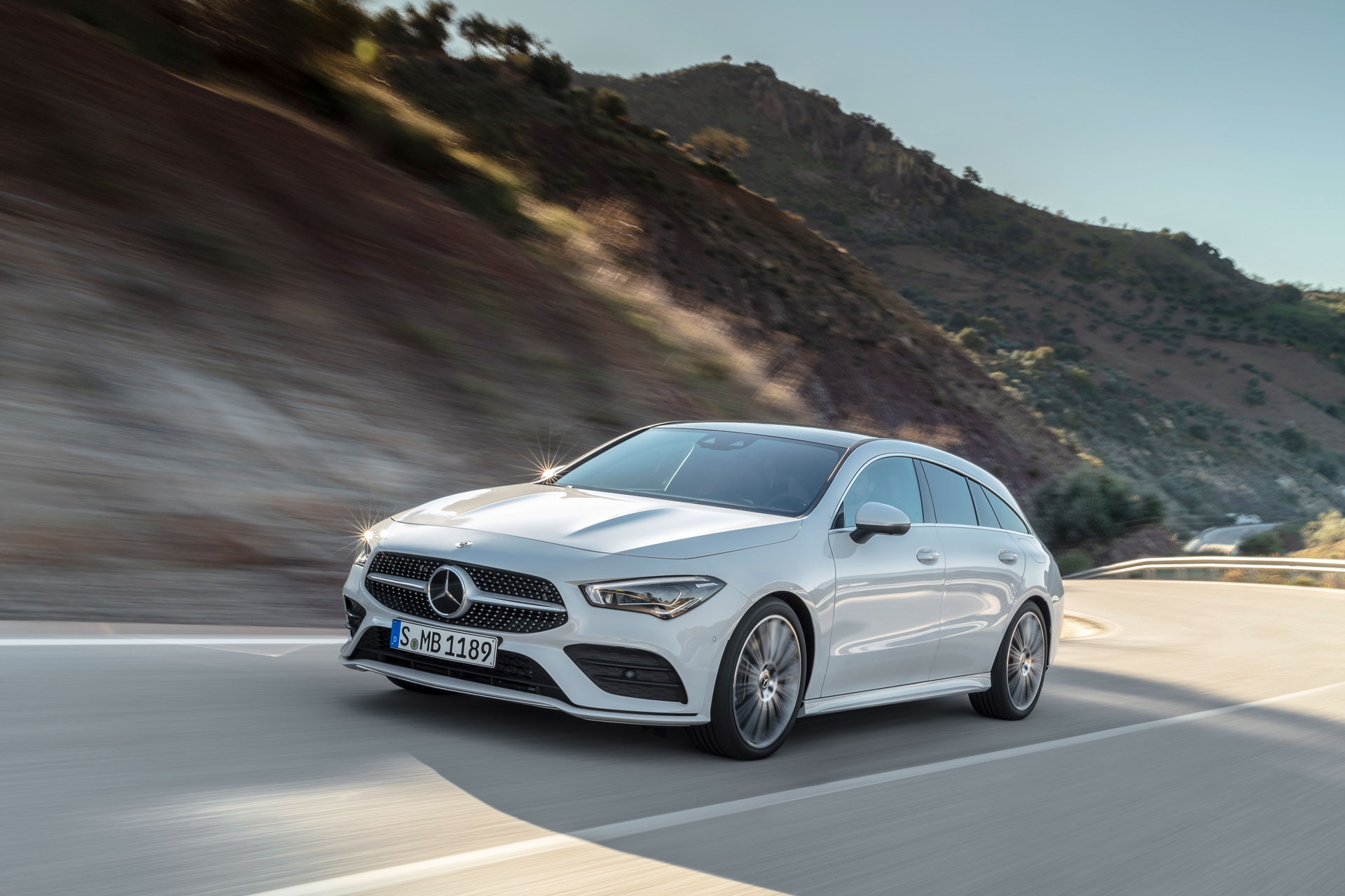 Новий Mercedes-Benz CLA Shooting Brake: спортивний автомобіль з багажним відділенням
