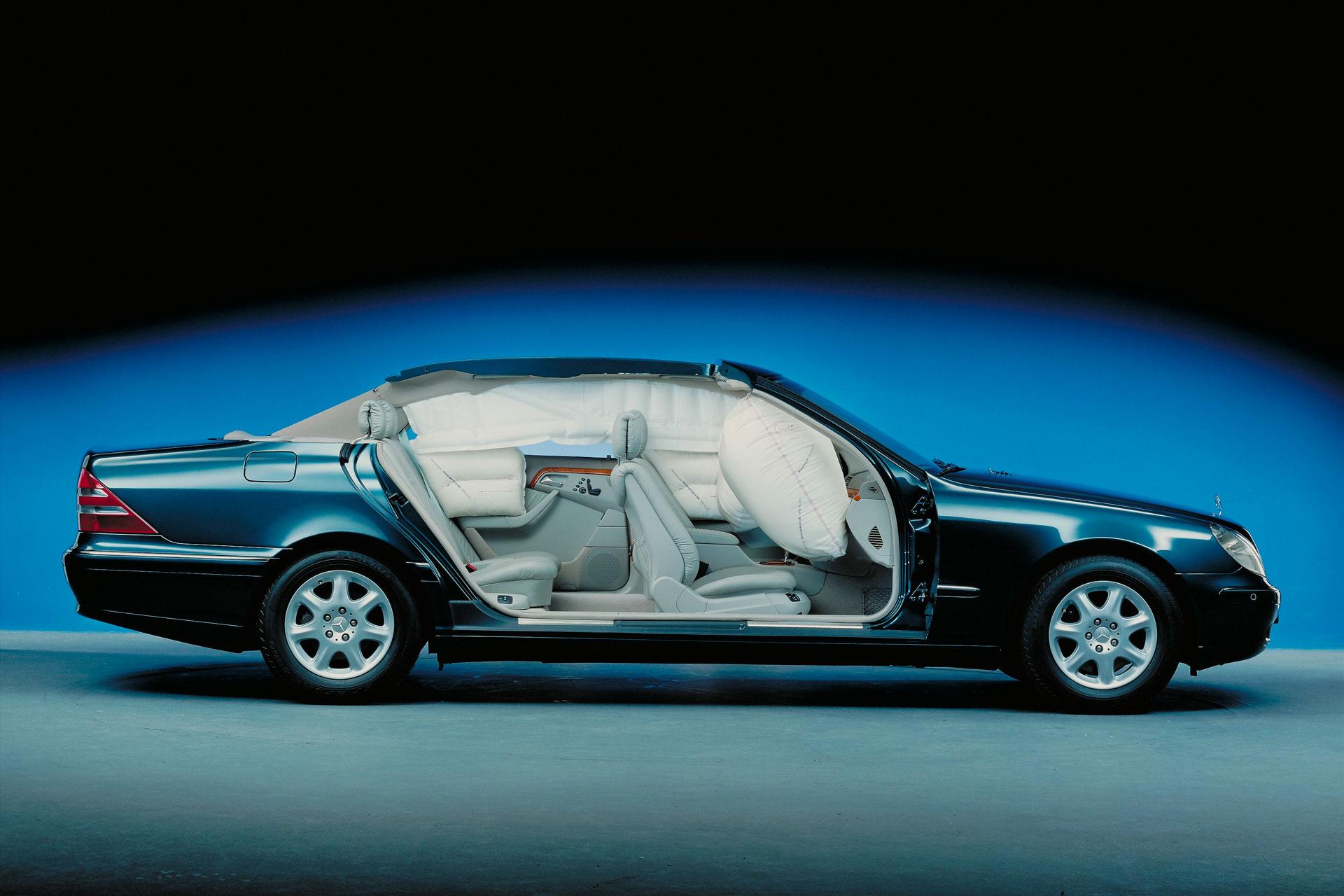 Як Mercedes-Benz розвивають системи пасивної безпеки