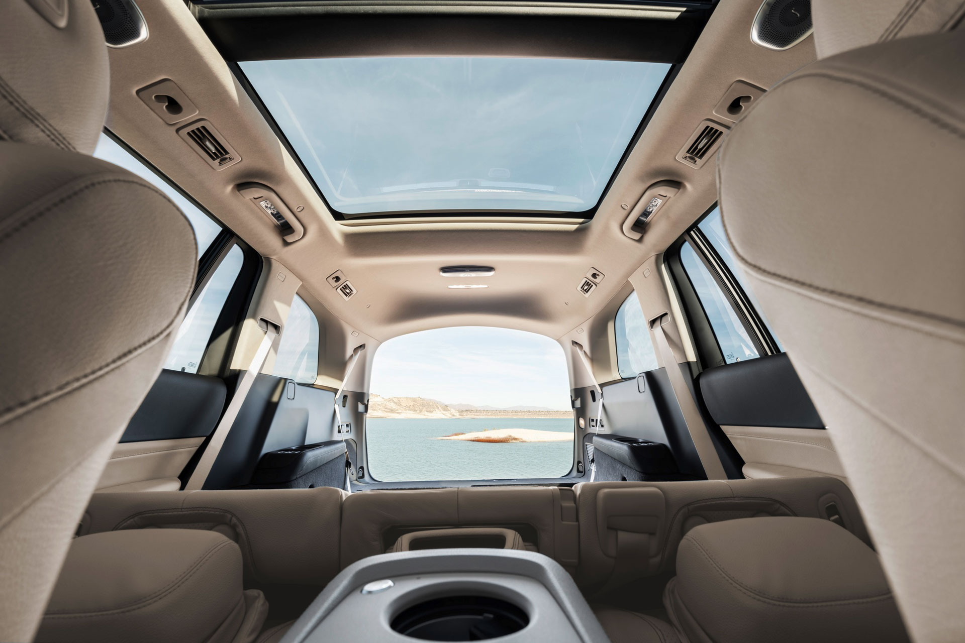 Новий Mercedes-Benz GLS X167 в цифрах: офіційні розміри позашляховика