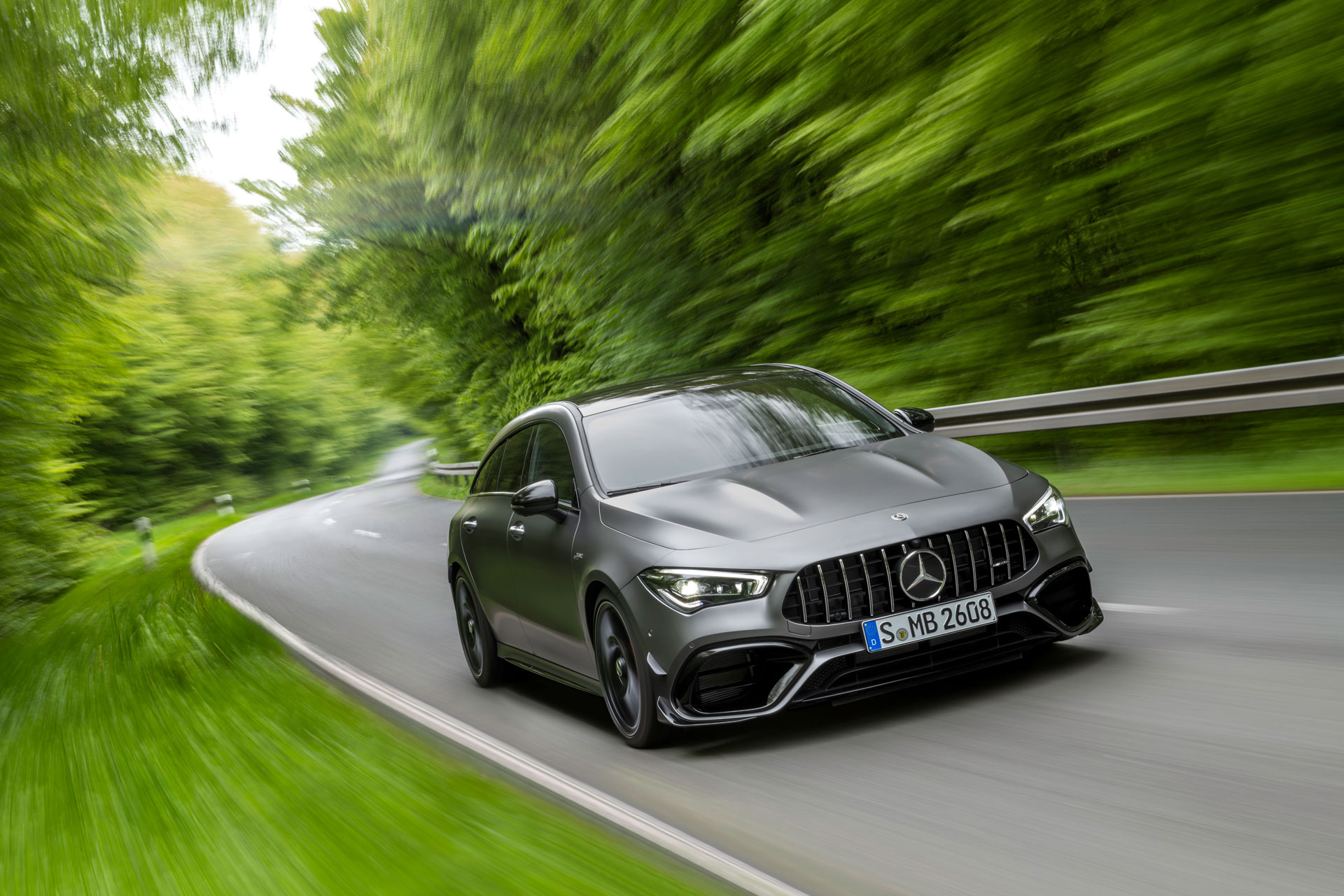 Новий Mercedes-AMG CLA 45 тепер доступний як універсал