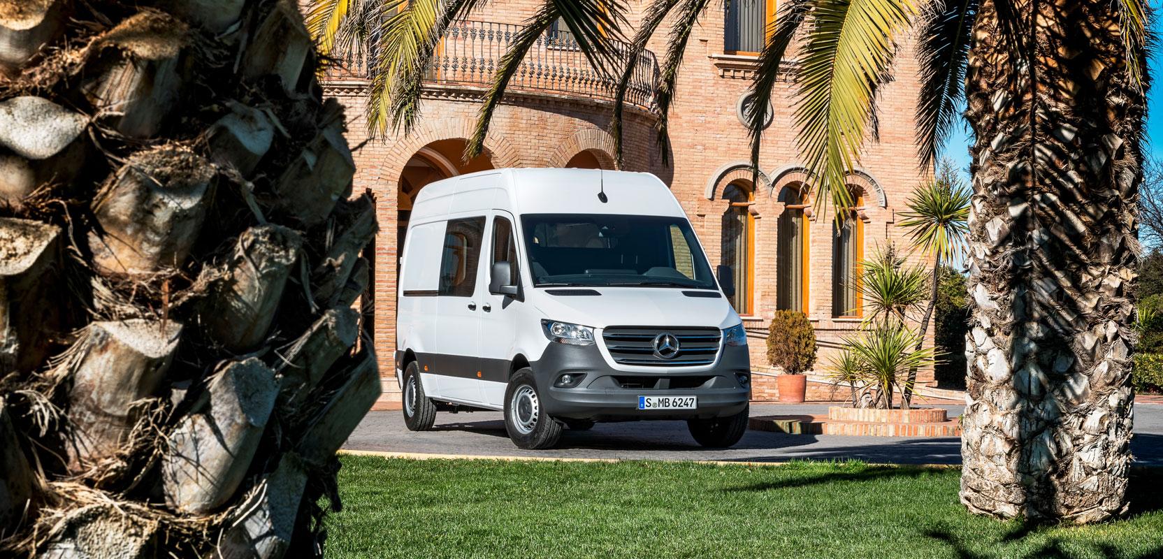 Mercedes-Benz представили нові технологічні кемпери і технологію управління MBAC
