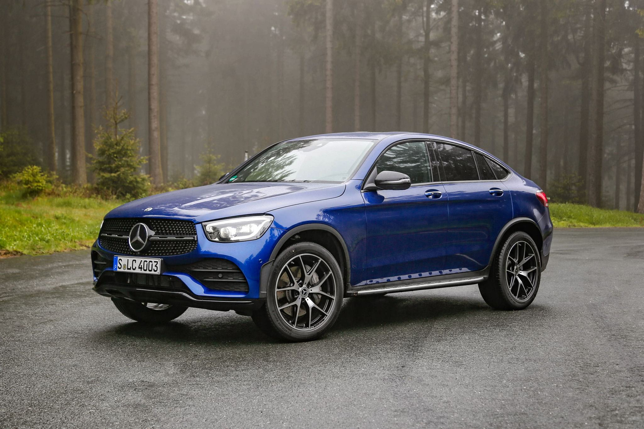 Mercedes-Benz GLC 300 Coupe у профиль
