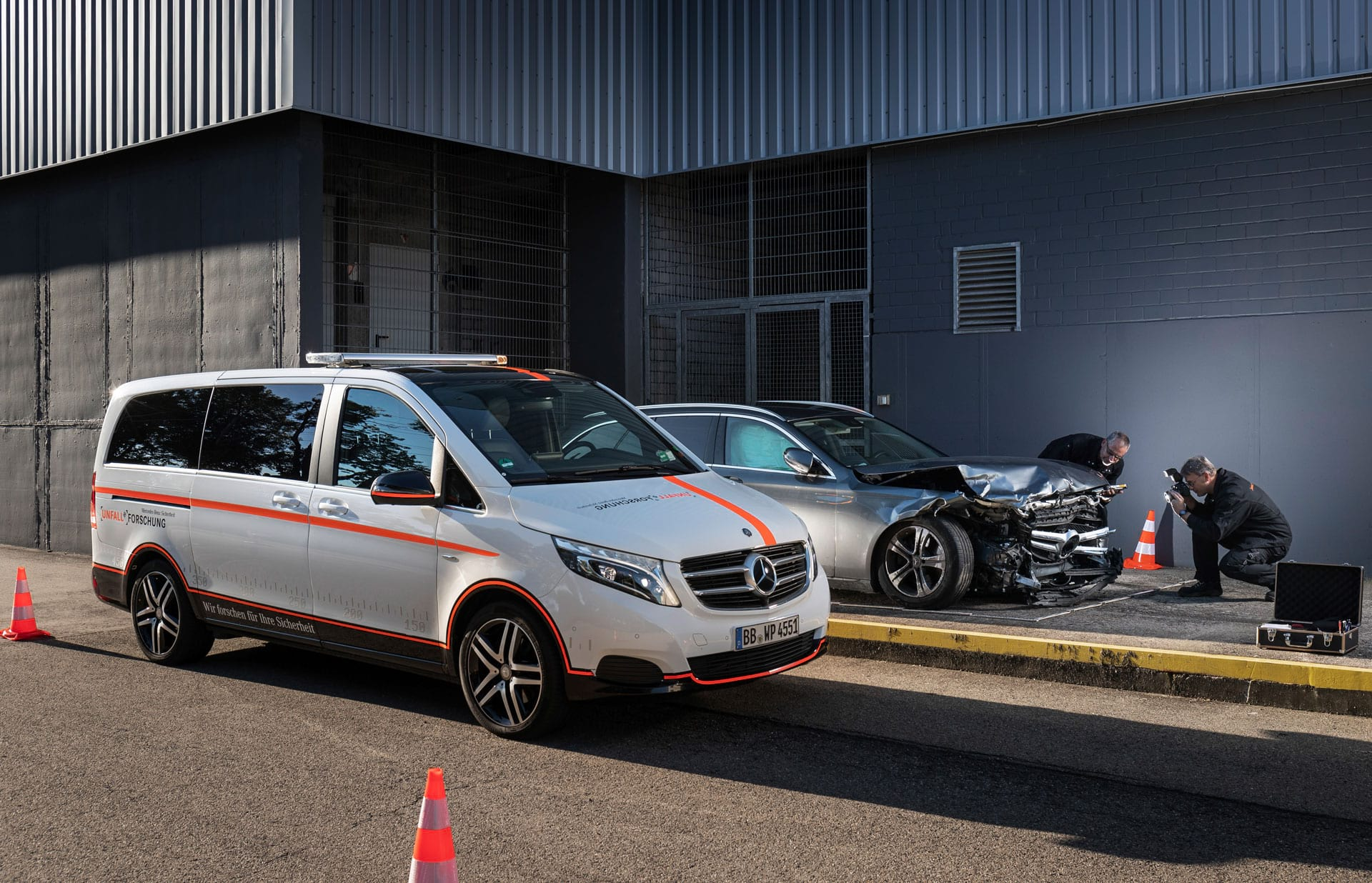 Mercedes–Benz Accident Research V–Class
