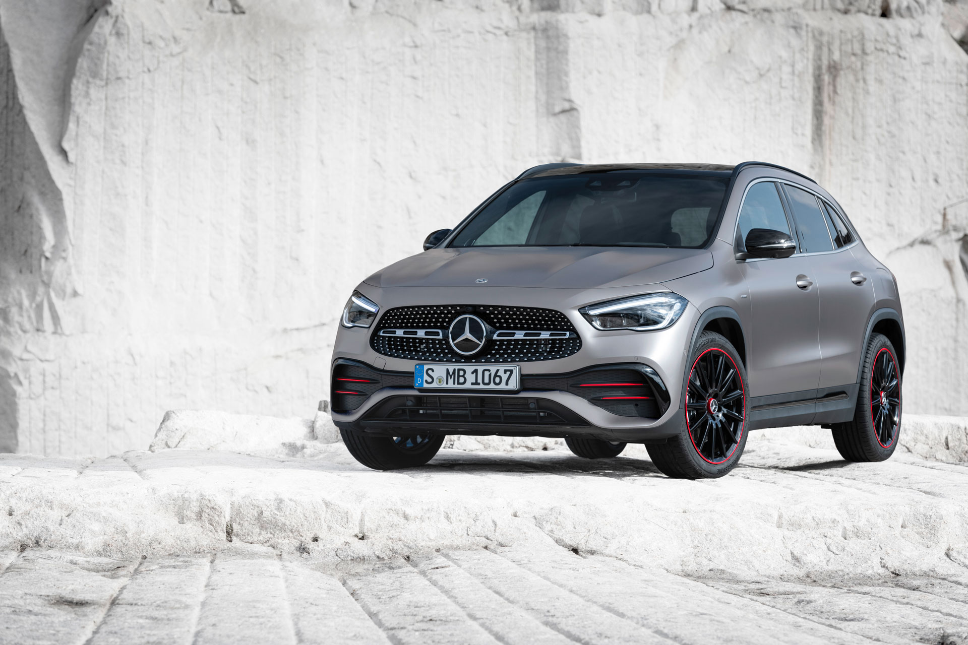 Премьера Mercedes-Benz GLA 2020