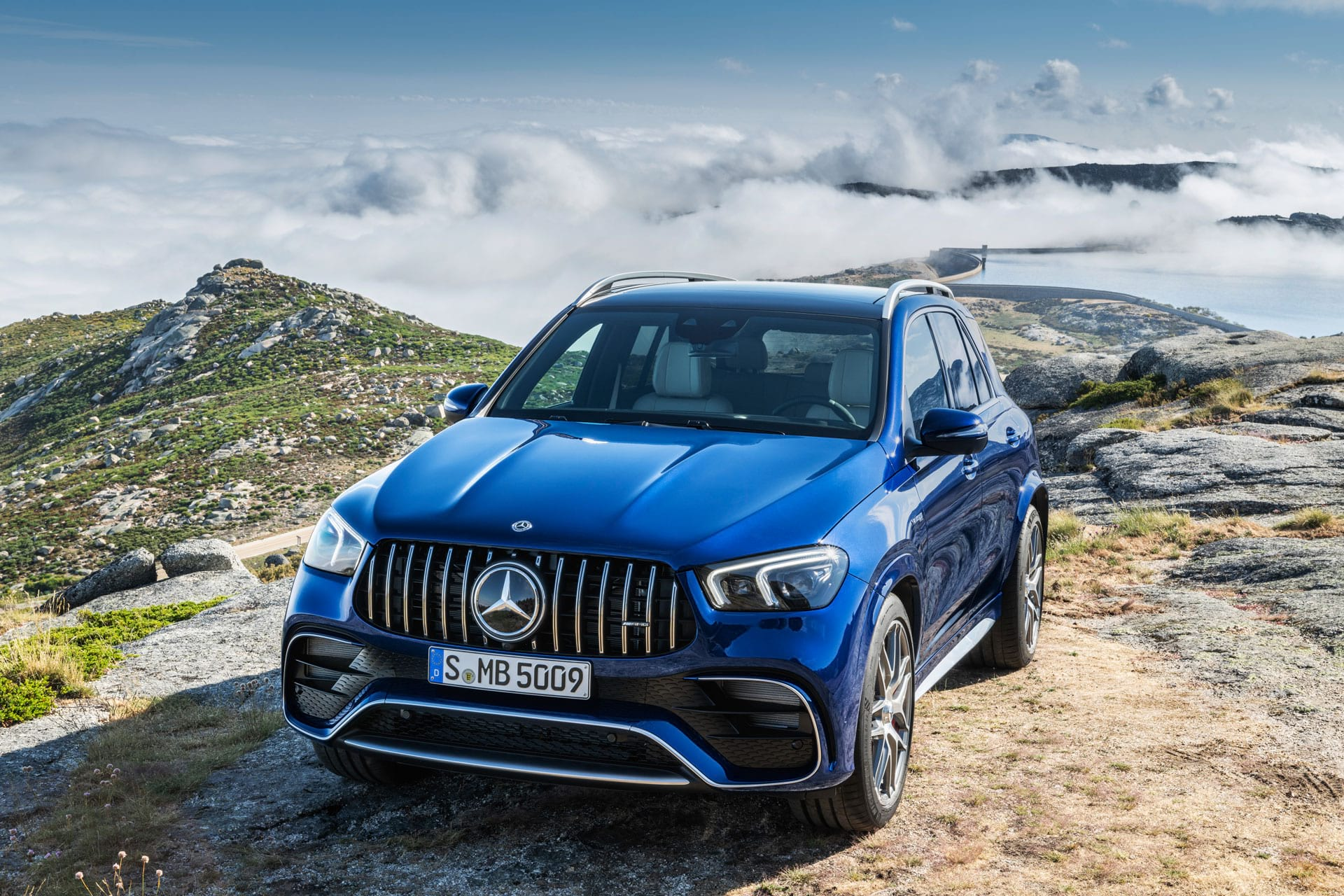 автомобиль Mercedes–Benz GLE