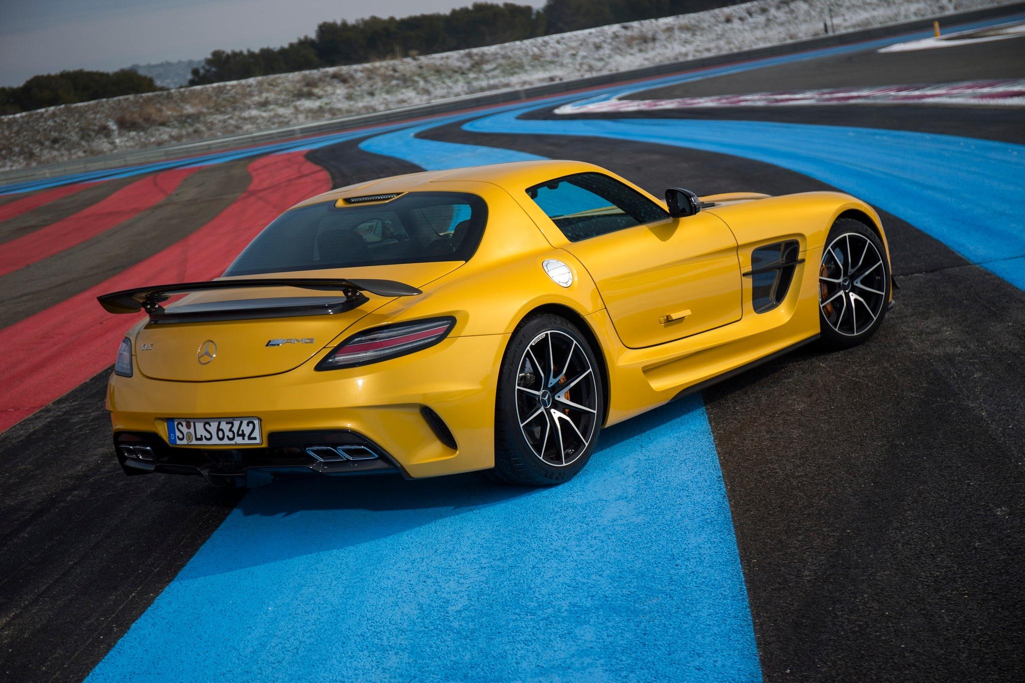 Mercedes—Benz SLS AMG Coupe Black Series — детальный обзор культового спорткара