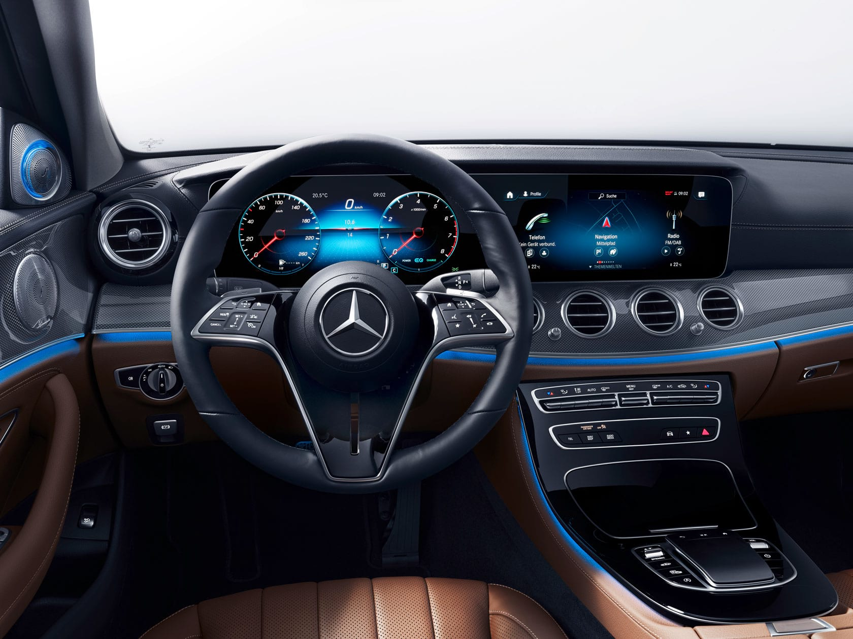 Mercedes-Benz - 120 років розвитку автомобільного керма