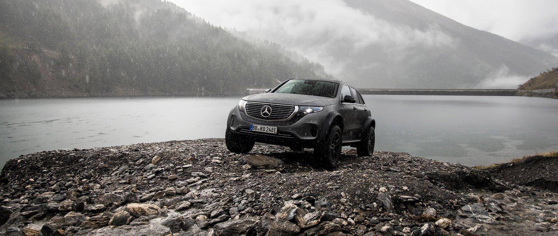 Mercedes-Benz EQC 4x4 – розкішний електромобіль для екстремальних пригод