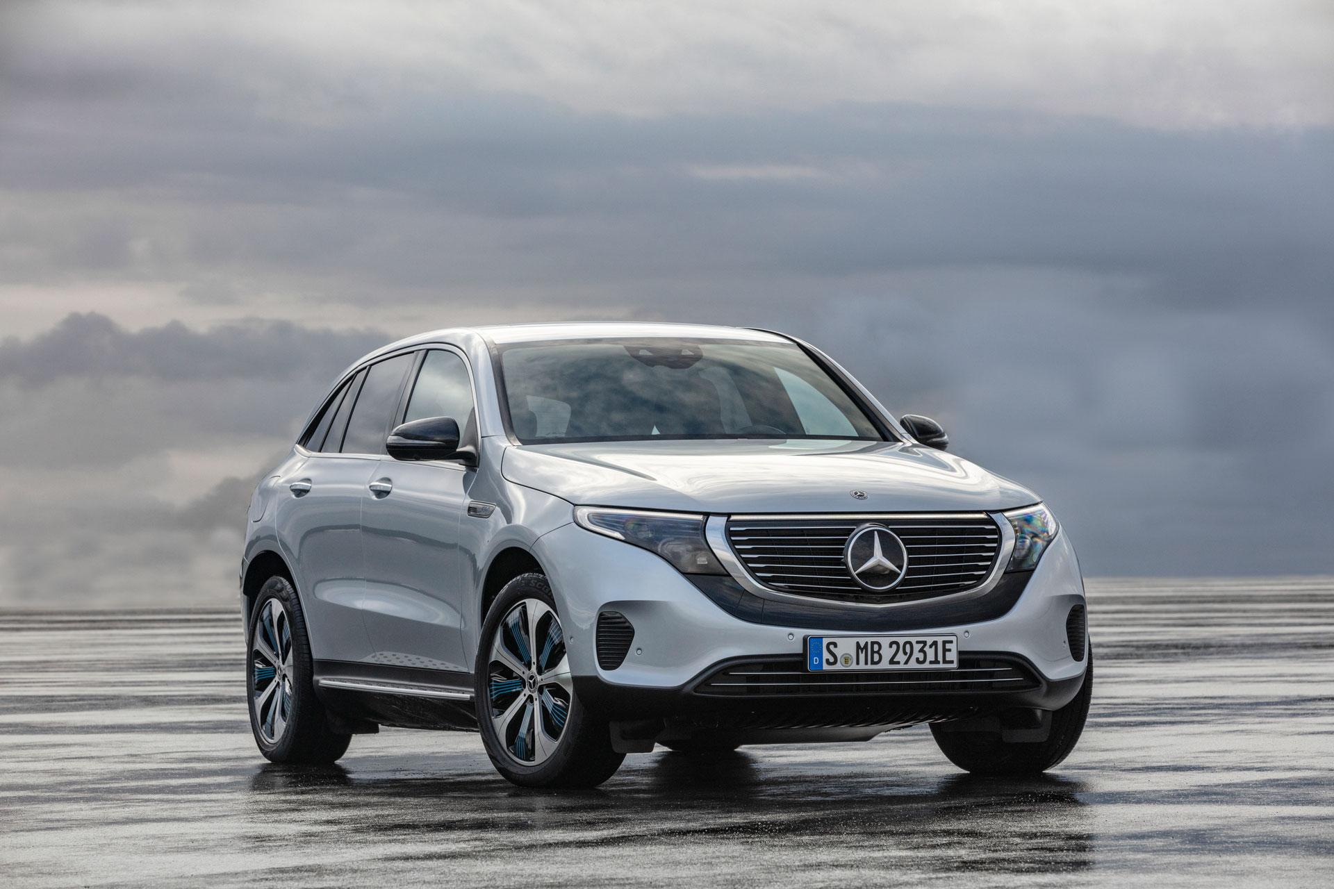 Mercedes-Benz EQC 400 4MATIC і EQC 400 4MATIC AMG Line – нова базова модель і спортивна версія