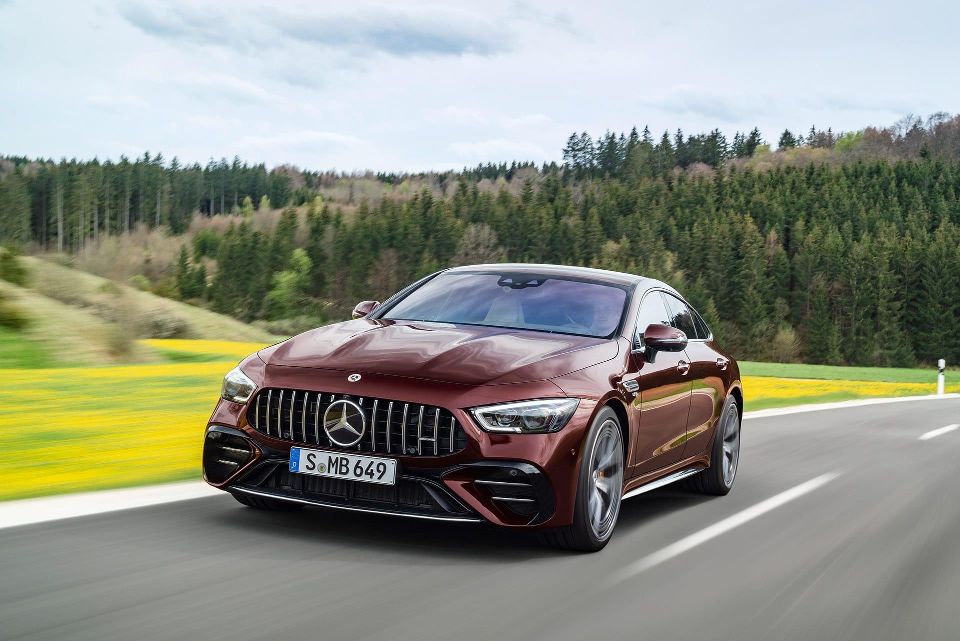 Новый Mercedes-AMG GT 4-Door Coupe 2021 с улучшенной подвеской и оснащением