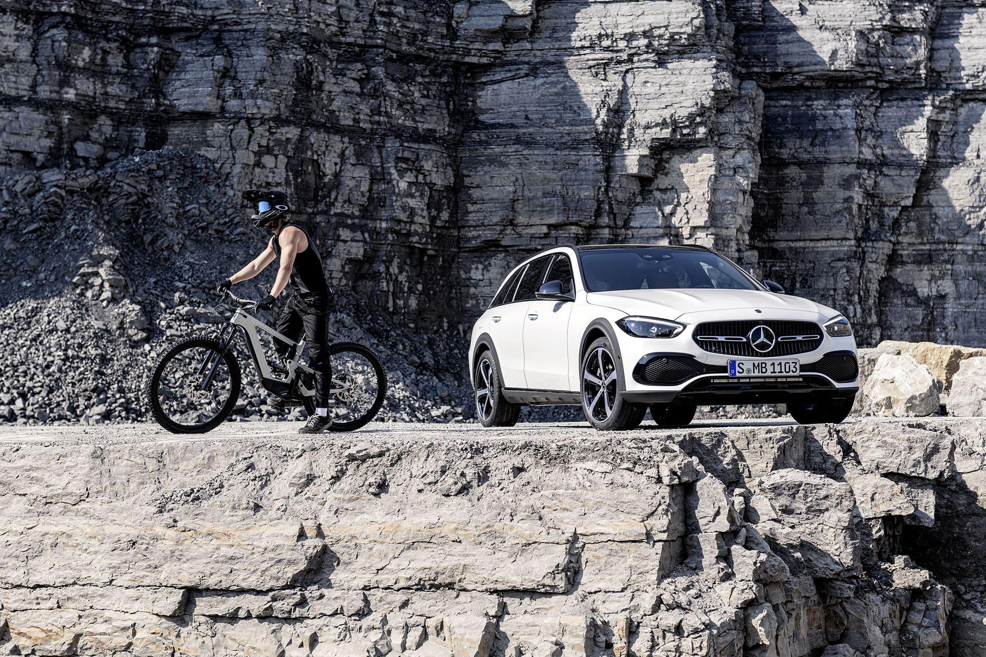 Новий Mercedes-Benz C-Class All-Terrain: зі збільшеним дорожнім просвітом та повним приводом 4MATIC