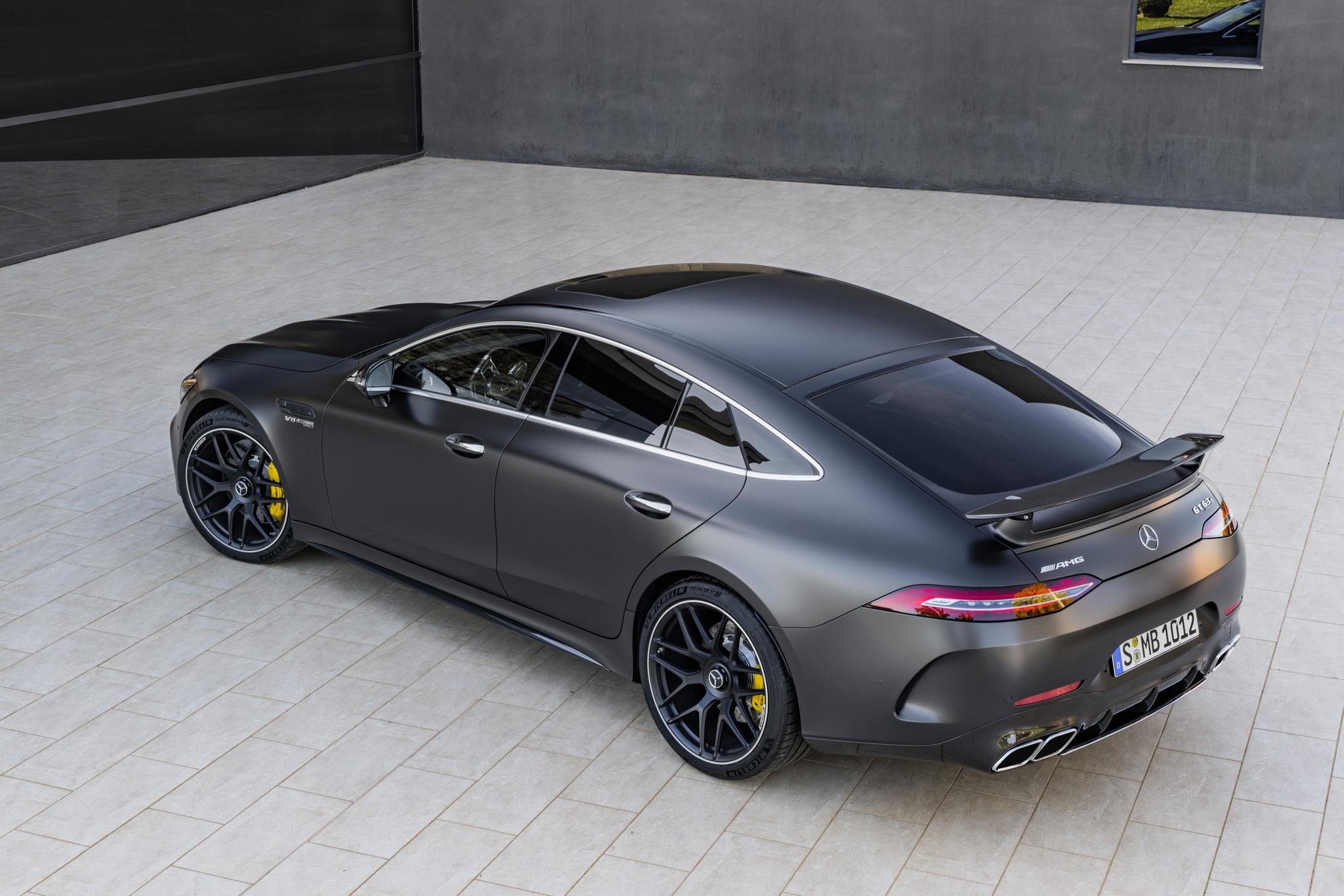 Старт продажів 4–дверного купе Mercedes–AMG GT