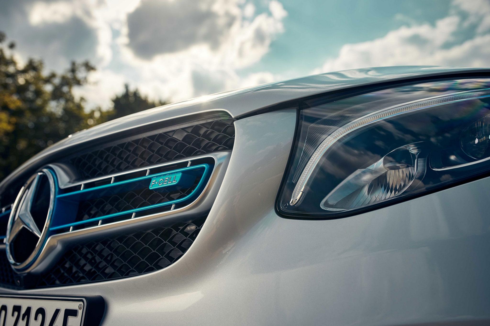 Кроссовер Mercedes-Benz GLC F-Cell на водороде уже доступен клиентам