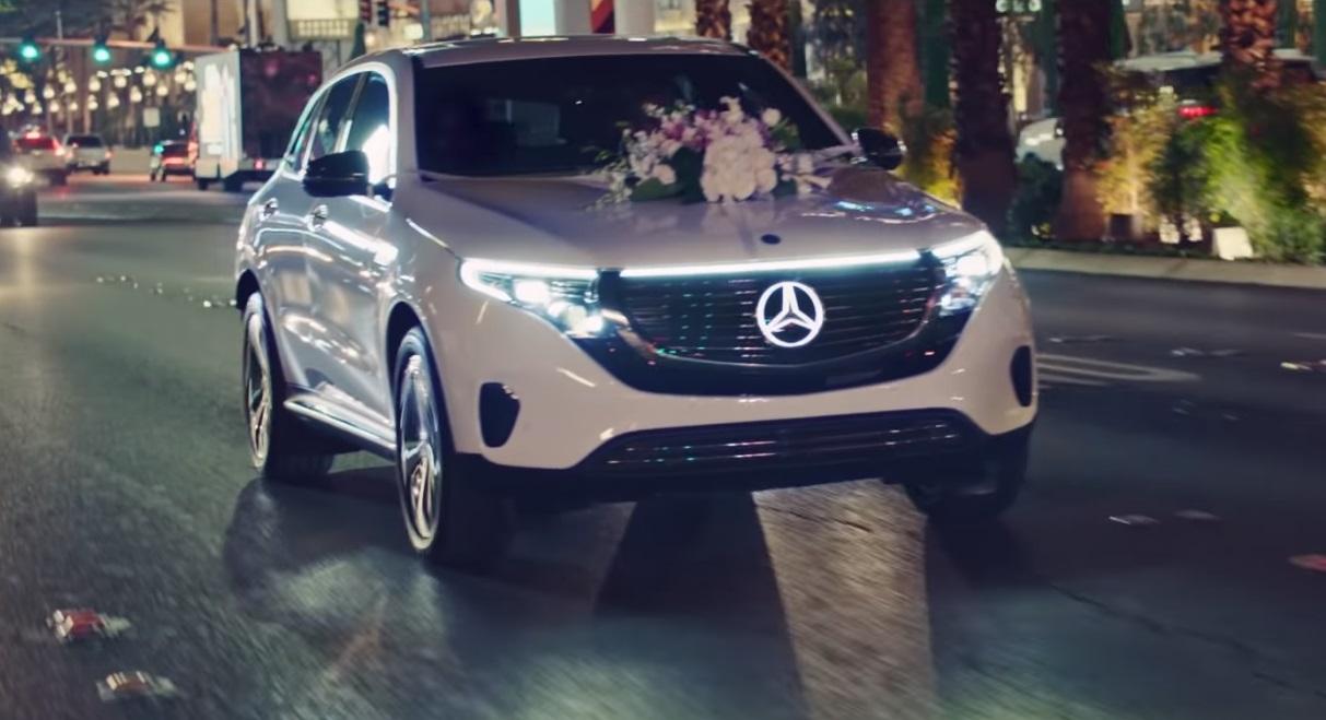 Новый EQC 2019 превратился в свадебный автомобиль в Лас-Вегасе