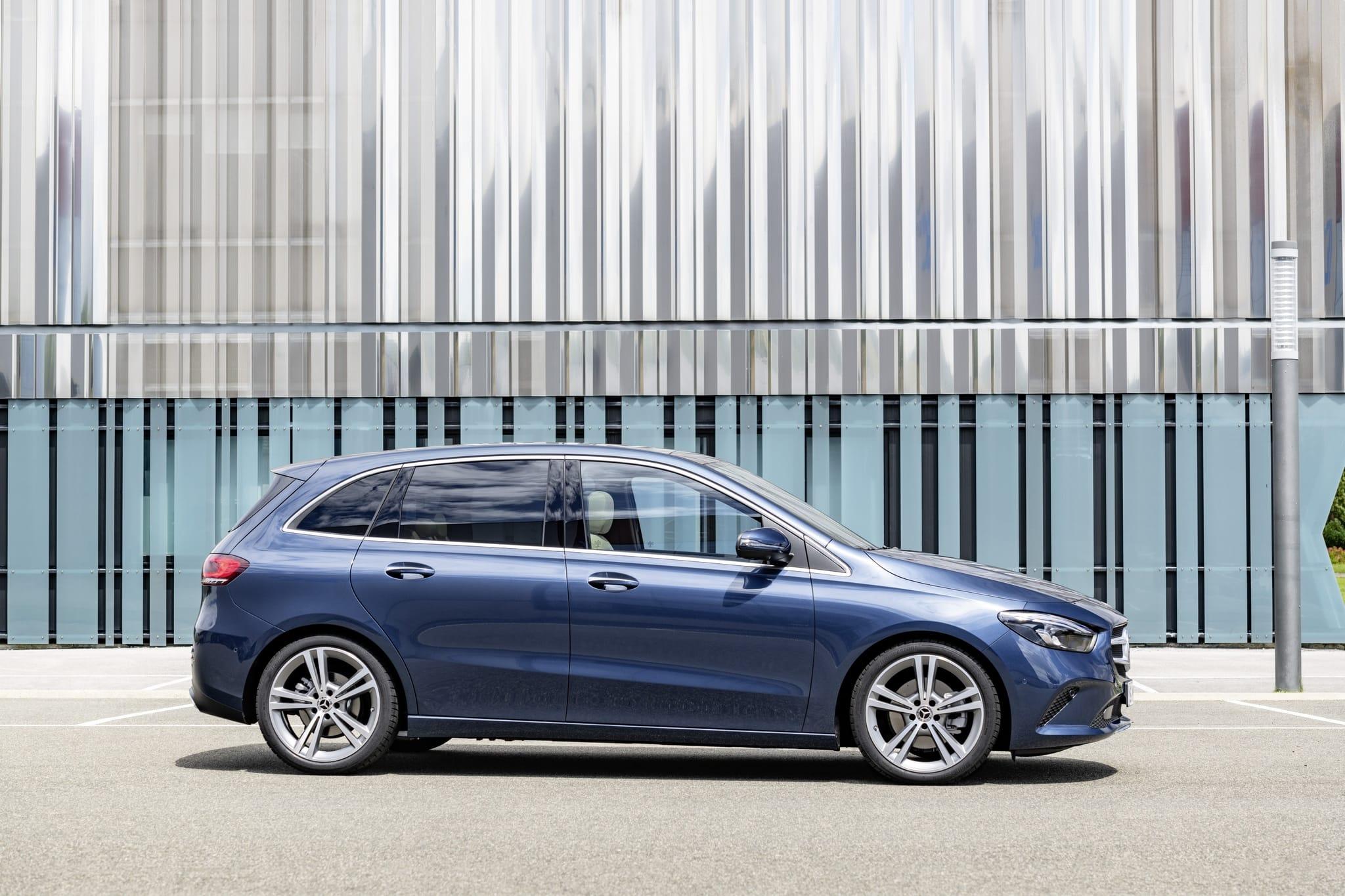 Обновление Mercedes-Benz B-Класса: добавлены новые двигатели и опции