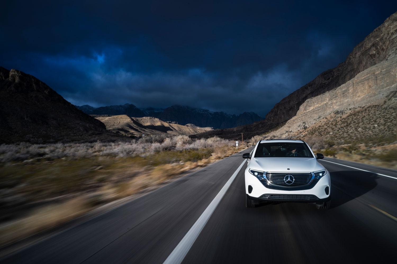 Новый Mercedes–Benz EQC 400: большой тест–драйв в заповеднике Рэд Рок