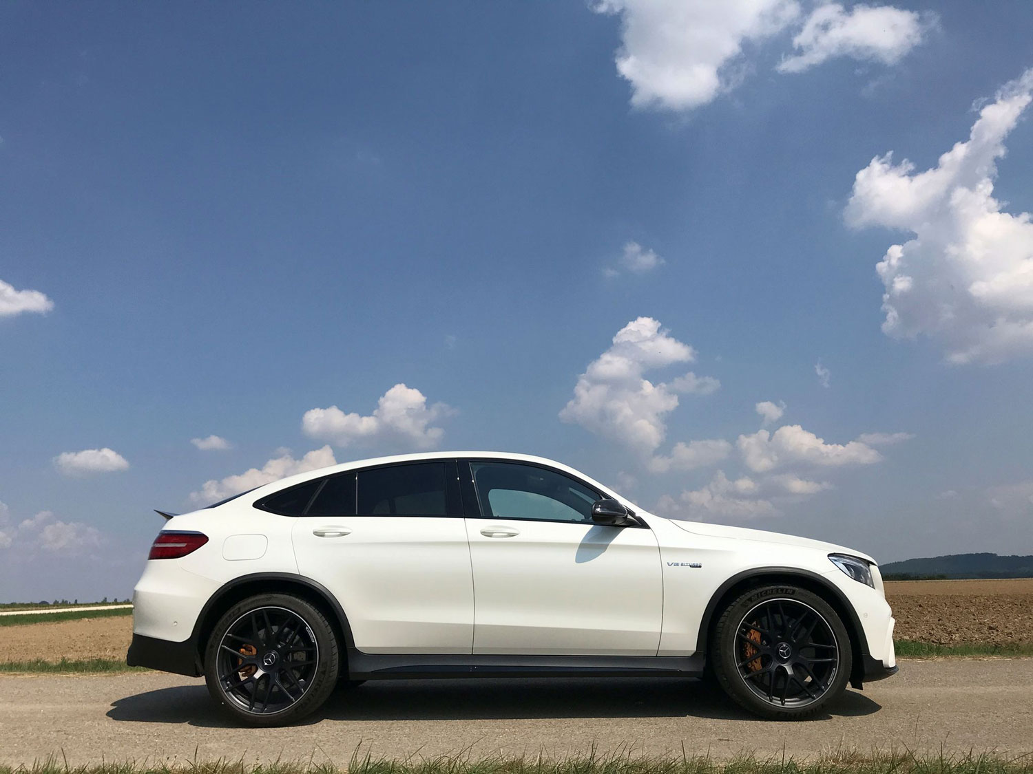 Новий Mercedes-AMG GLC 63 S 4MATIC у профіль