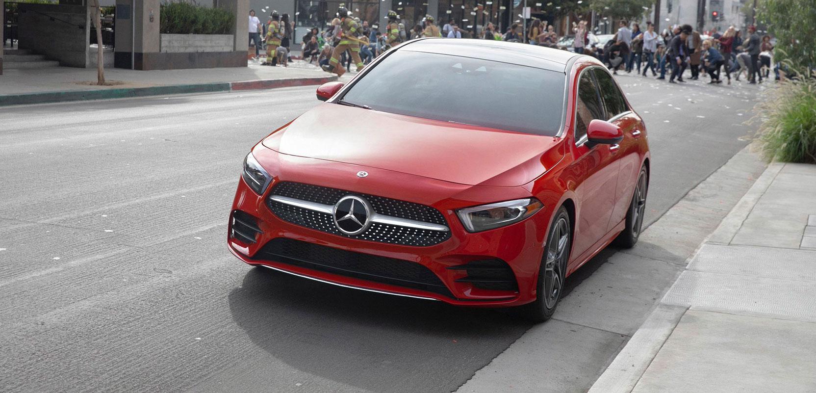 Mercedes-Benz A-Class 2019 и система MBUX в новой рекламной кампании
