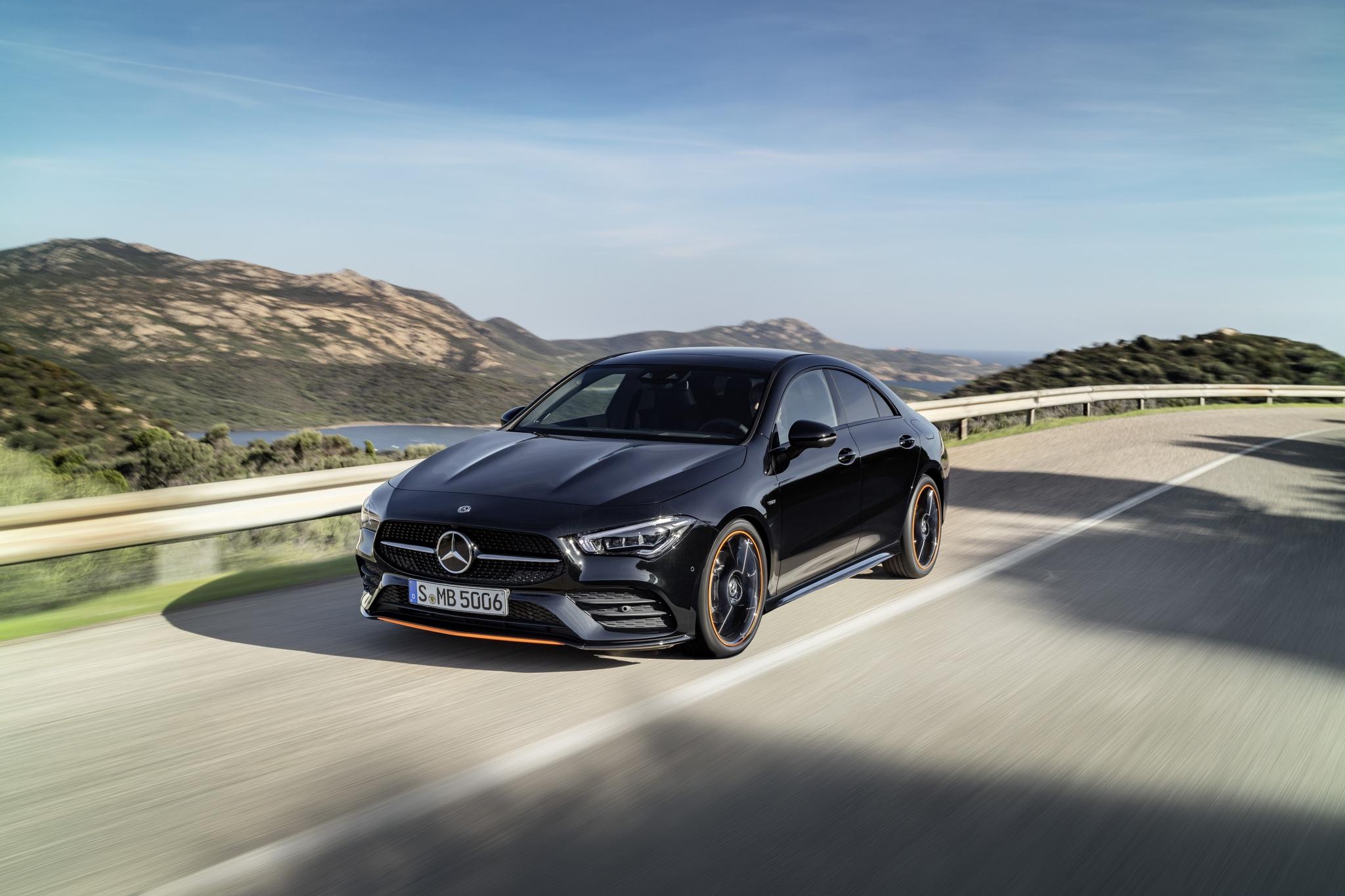 Новый Mercedes-Benz CLA Coupe: сочетание высоких технологий и спортивных характеристик