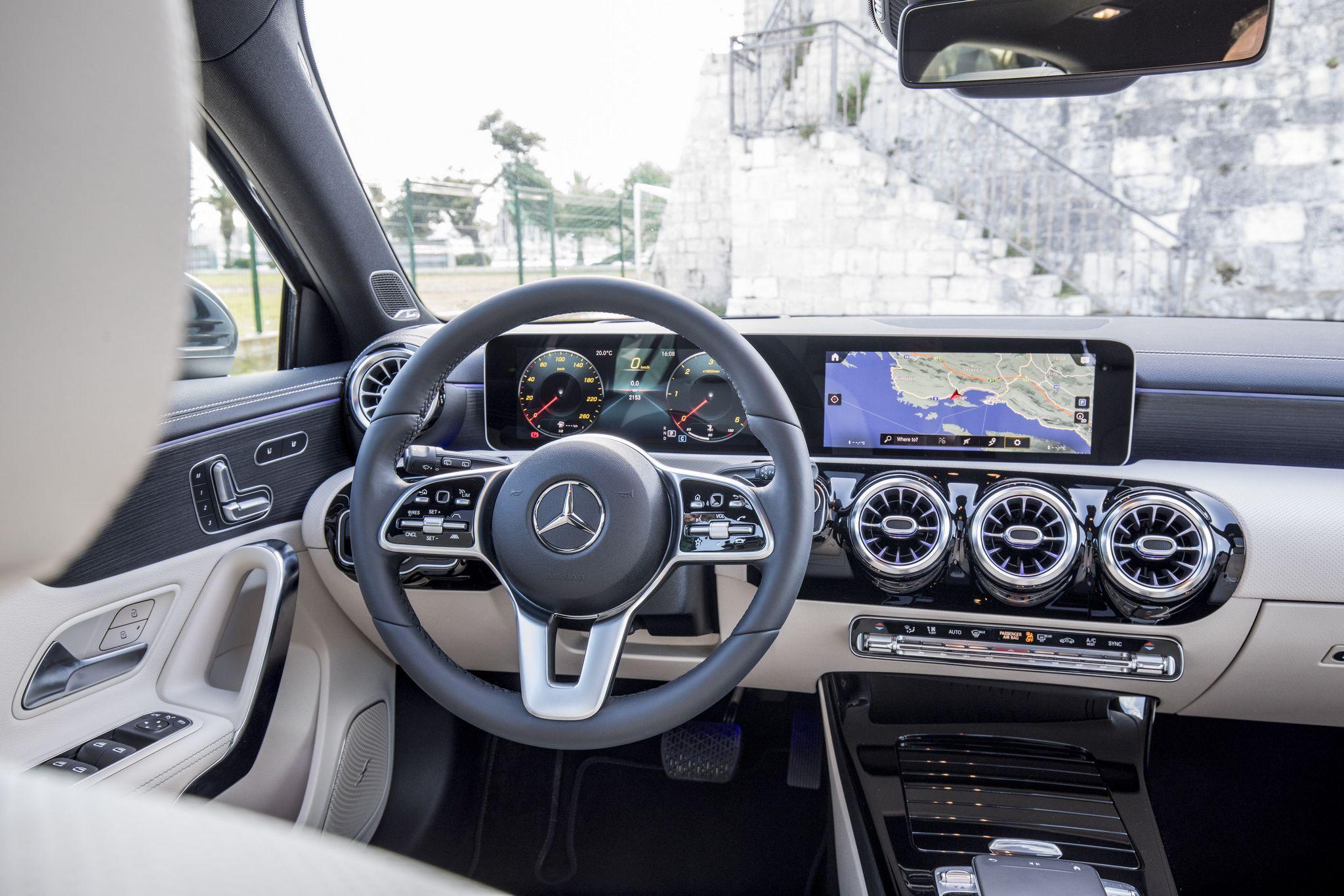 Новый Mercedes–Benz A–Class: основные опции