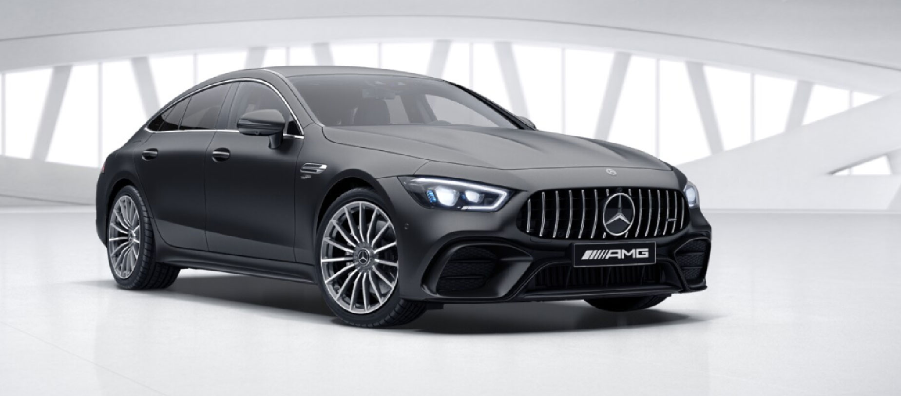 Mercedes-AMG GT 63 S 4MATIC вид спереди